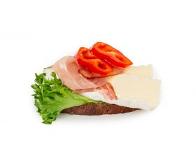 Brie m. luftørred seranoskinke